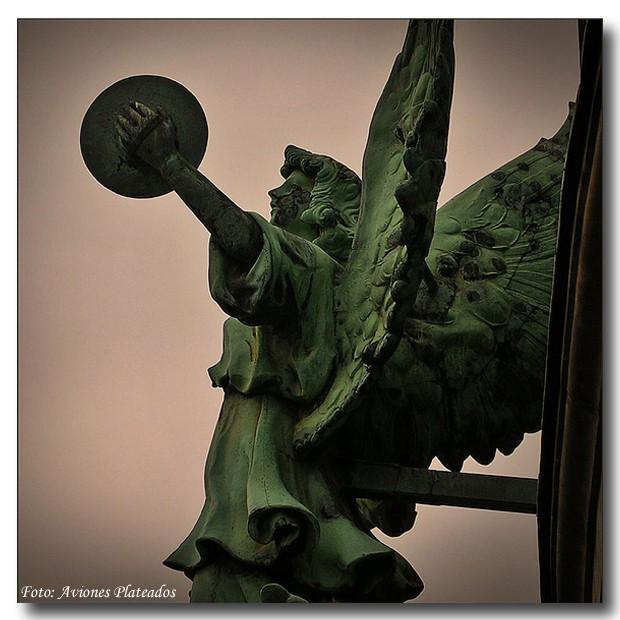 among-angels620