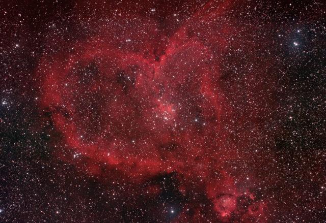 Dieses Bild hat ein leeres Alt-Attribut. Der Dateiname ist Heart-Nebula-640x439.jpg